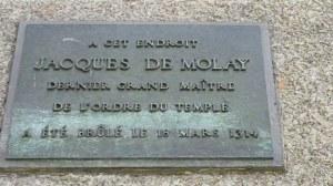 Paris, au mois d'août dans le quartier latin et l'ile de la cité 0 04 29-14