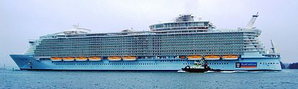 Allure_of_the_seas_sideview
